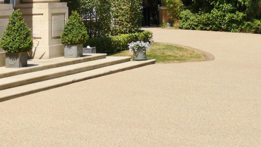 Resin Bond Stone Driveway in Surrey White marble gravel