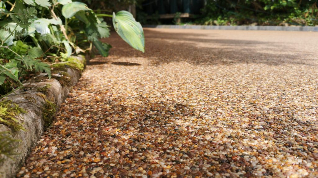 Resin Bond Stone Driveway in Bath Rose Grden gravel