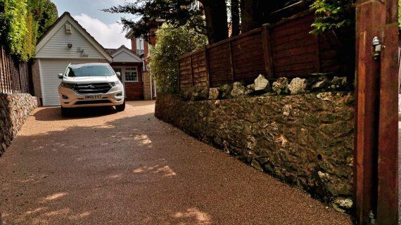 Resin Bond Stone Driveway in Bridgwater Spring Taupe gravel