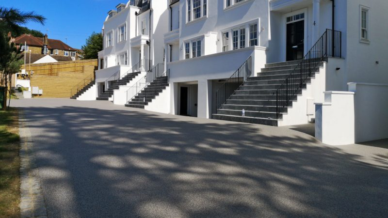 Resin Bound Stone driveway Silver Granite Surrey