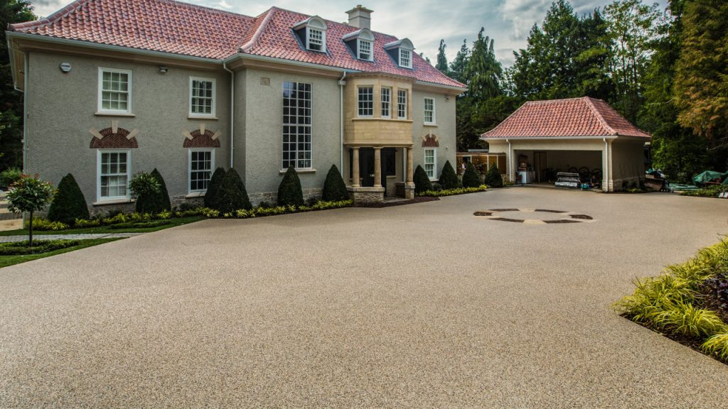 Resin Bond Stone Driveway in Surrey White marble gravel