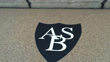 Resin Bound Stone Logos and Decorative Features