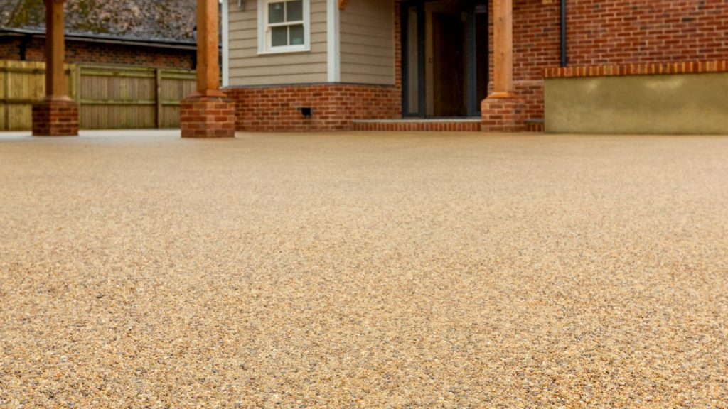Resin Bound Stone-driveway paving Harvest fawn