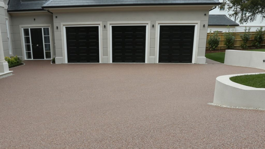 Resin Bound Stone Driveway in London Pink Pea gravel
