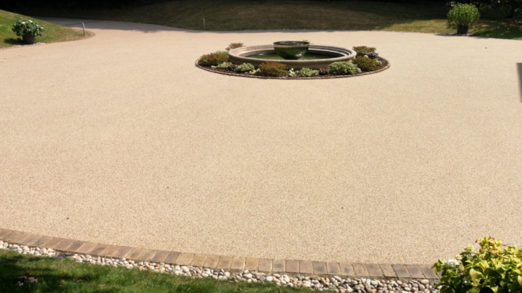 Resin Bound Stone Driveway in Surrey White marble gravel