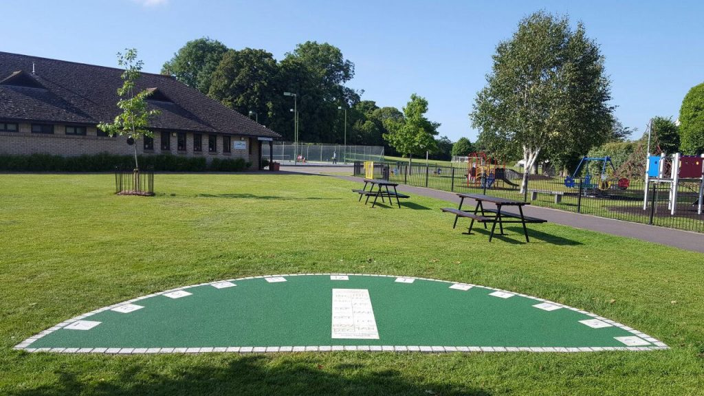Rubber play surface: Wetpour EPDM - Feature: Sundial